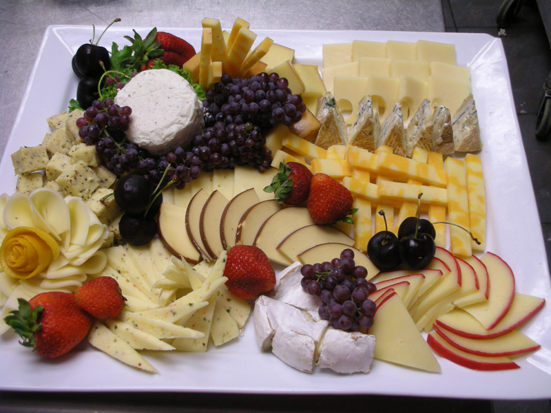 Tips and tricks to make a great cheese platter for entertaining. Description from pinterest. & Tips and tricks to make a great cheese platter for entertaining ...