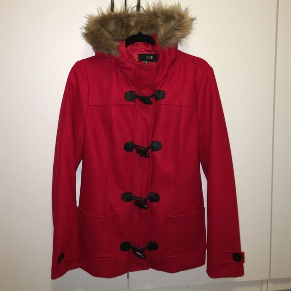 Toggle Peacoat Wool/rayon blend adorable peacoat. Fur trim on hood. Worn once Forever 21 Jackets & Coats Pea Coats