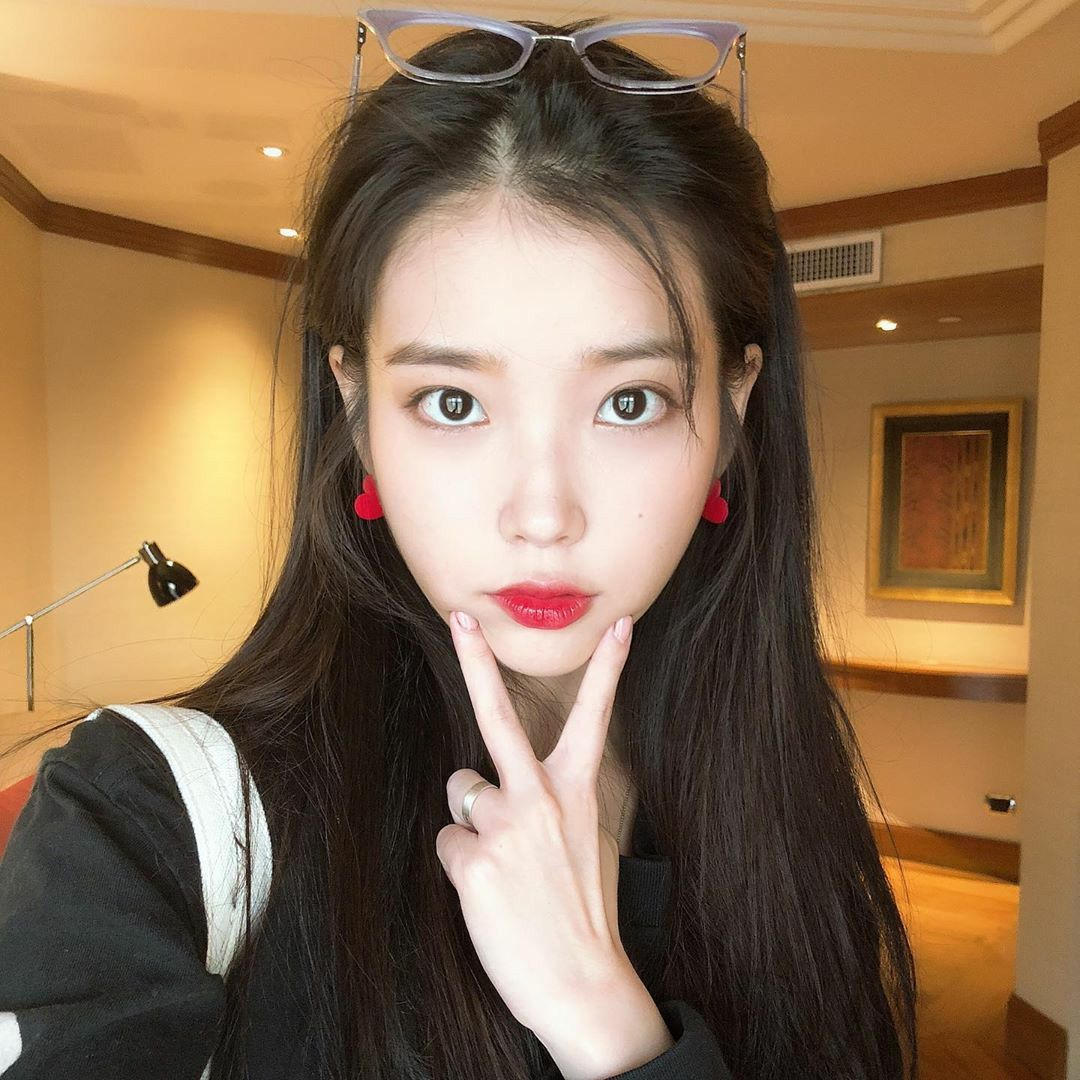 Iu Instagram Dlwlrma Iu Fashion Red Heart Earrings Kpop Fashion