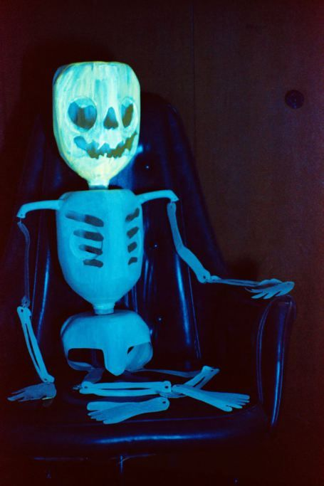 Milk Jug Skeleton! #HalloweenDecorations #RecycleCrafts - halloween milk jug decorations