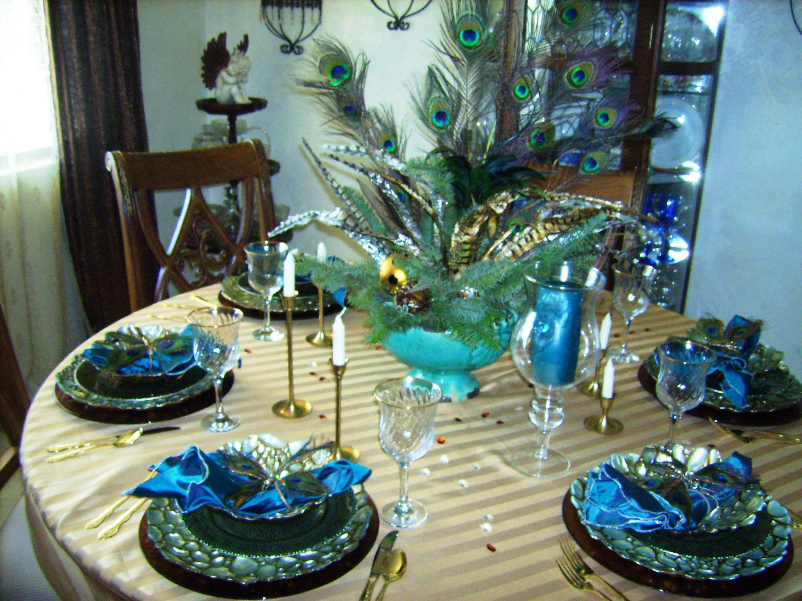 Peacock Tablesetting Peacock Tablesetting Dishes Entertaining Table Settings Peacock Decor Beautiful Home Designs