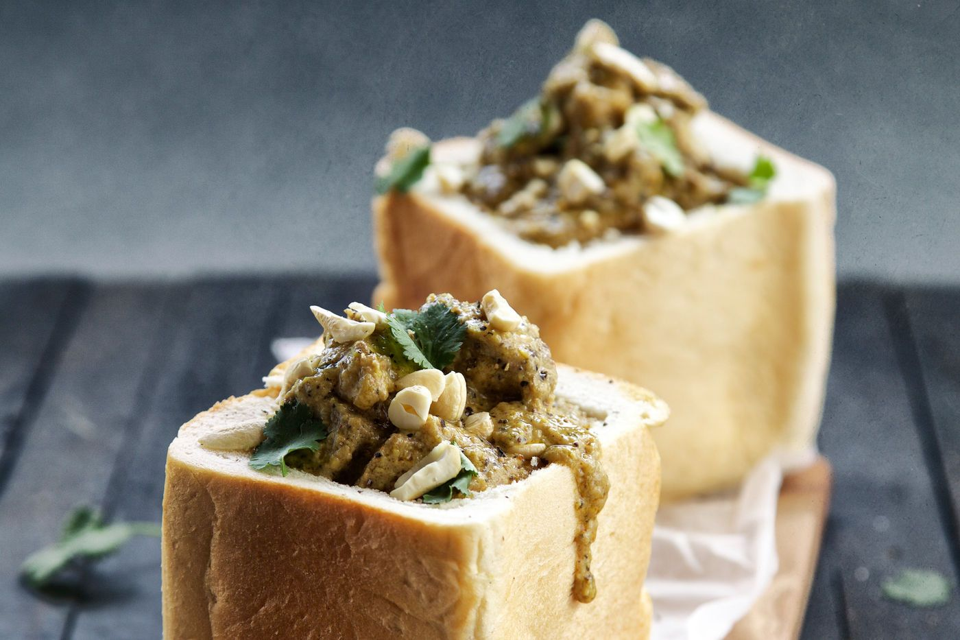 Beef Korma Bunny Chow - Make delicious beef recipes easy, for any occasion
