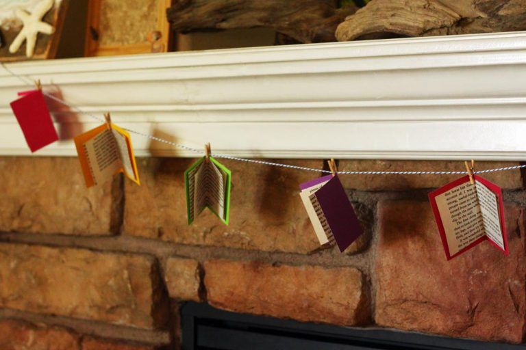 Book Garland would be cute for a class room. Back to