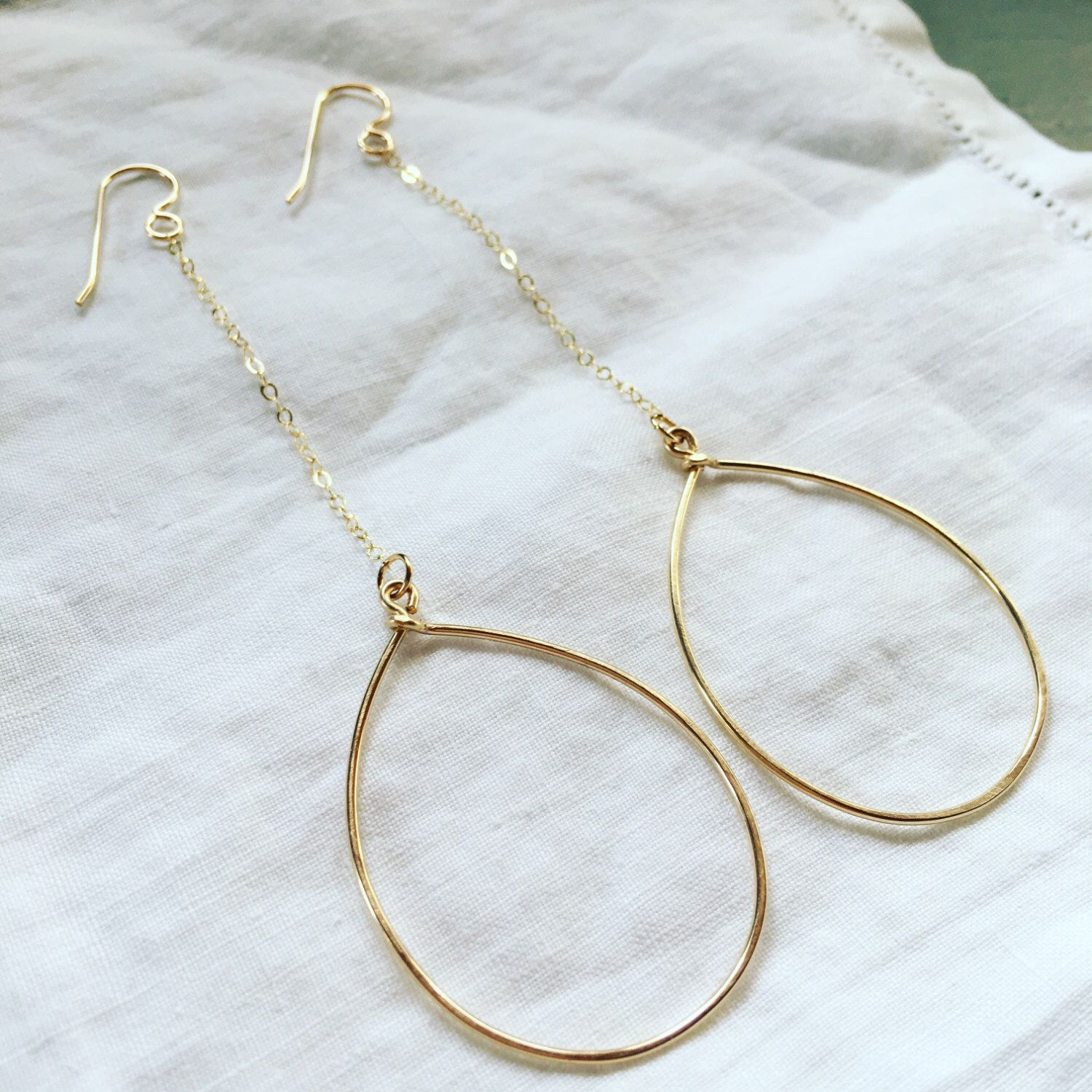 Simple 14k gold-fill drop chain hoops by JettieMuller on Etsy https://www.etsy.com/listing/484295899/simple-14k-gold-fill-drop-chain-hoops