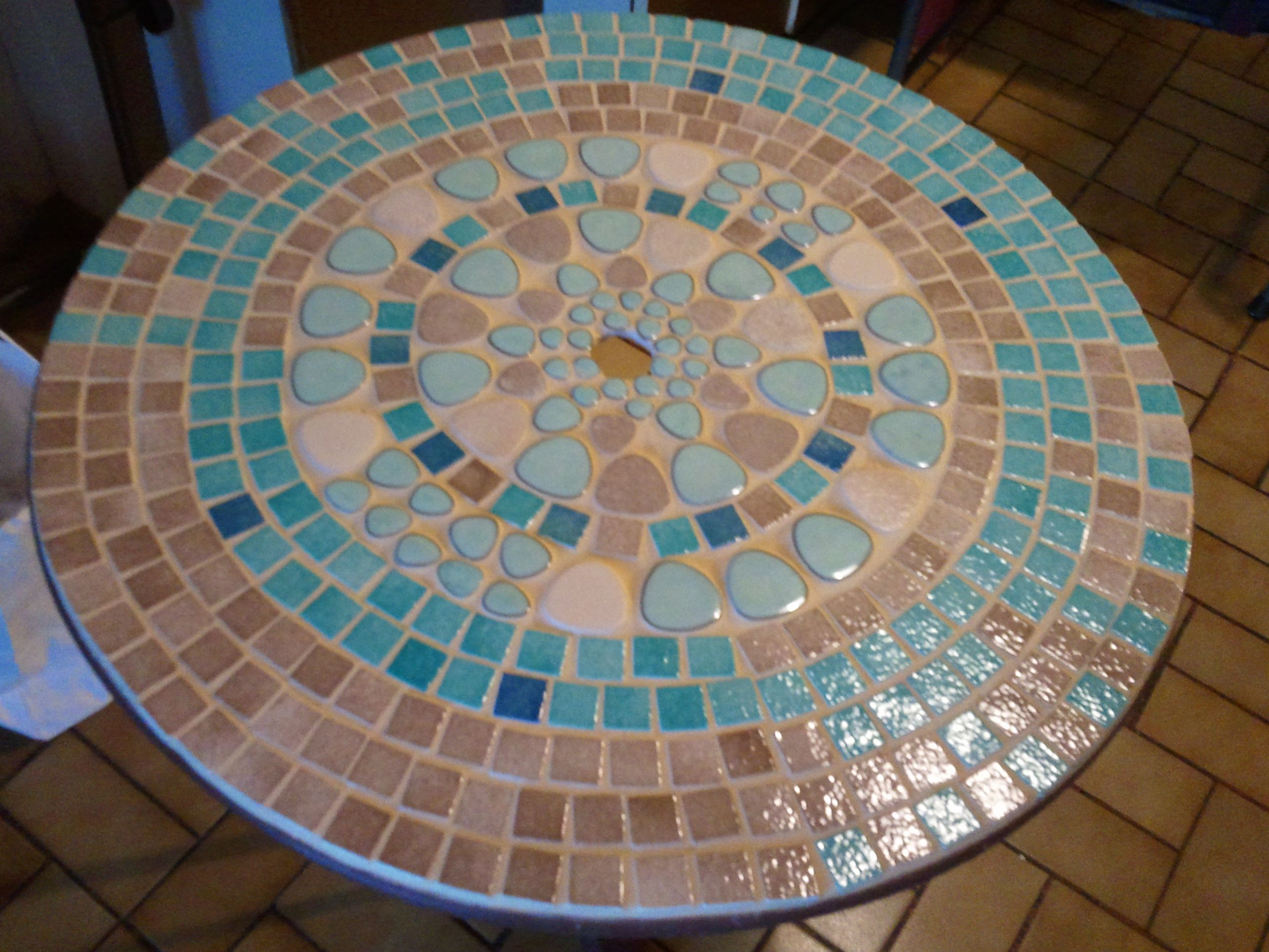 Table jardin mosaique
