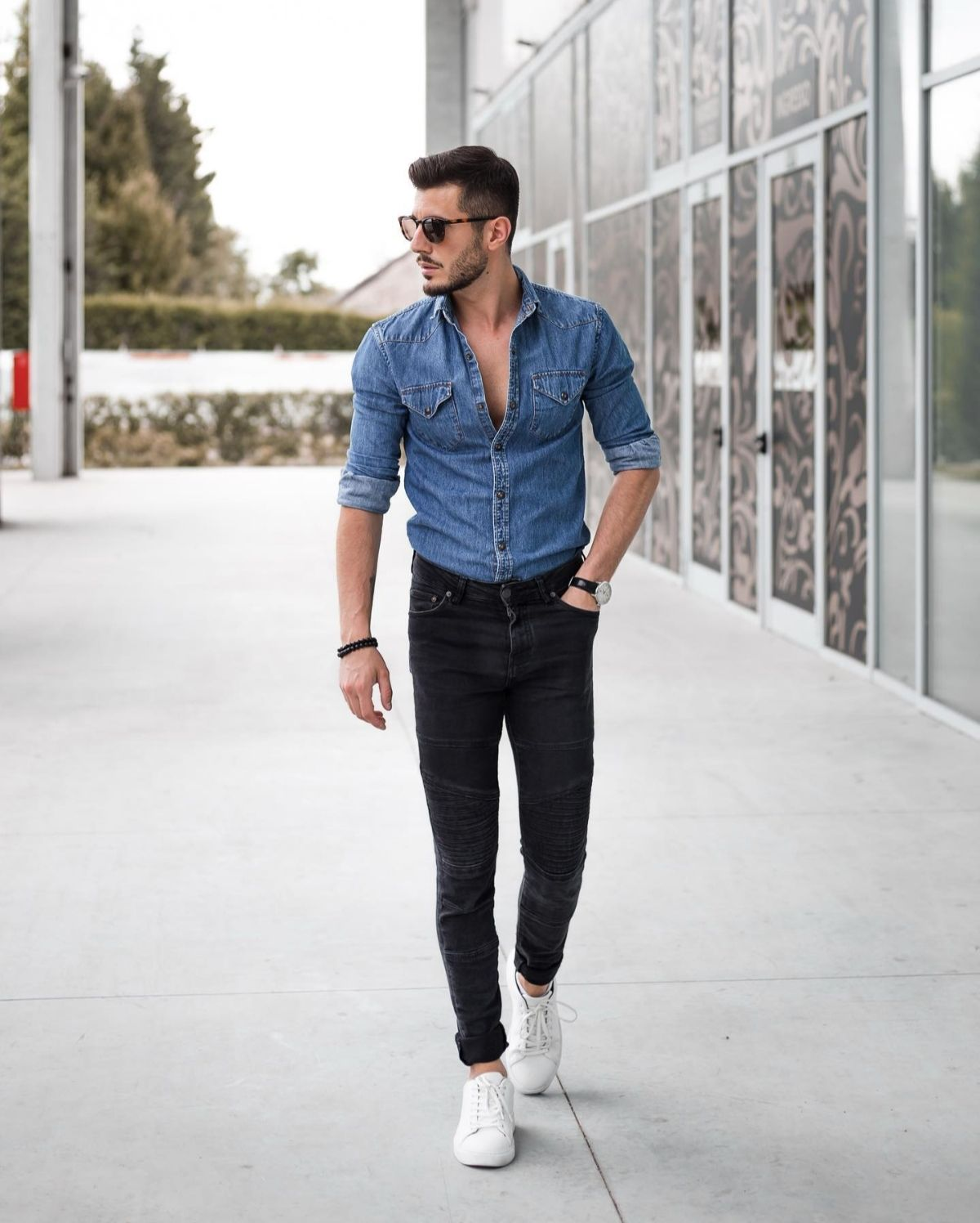 Camisa jeans masculina: dicas de como usar | Mens casual outfits, Jean  jacket outfits men, Mens fashion casual outfits