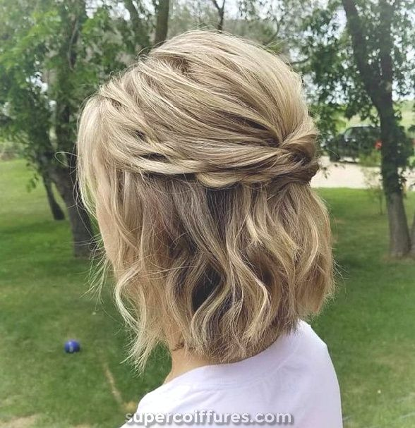Top Incredible Updos pour cheveux moyens