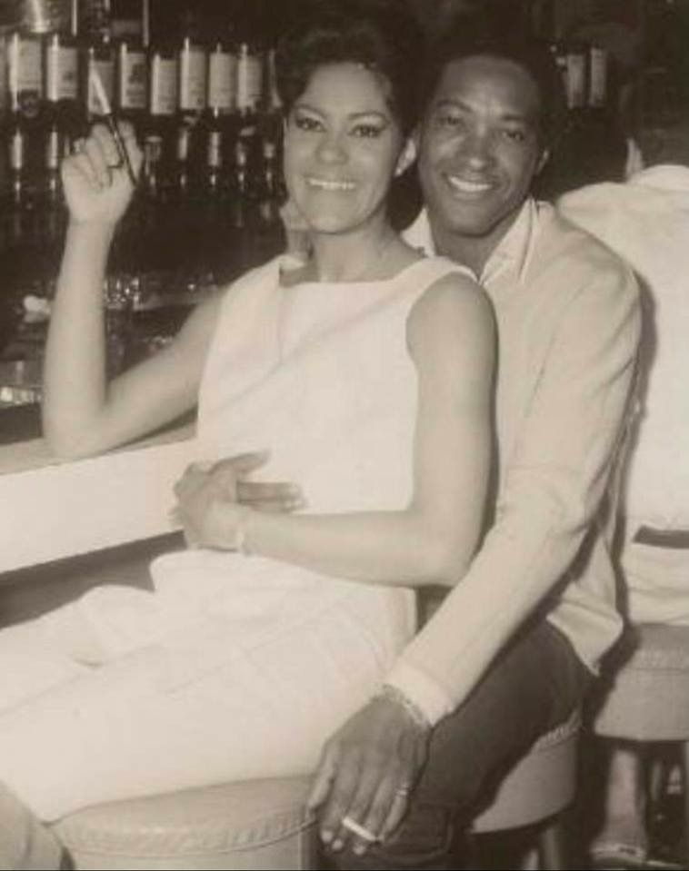 Singer Sam Cooke with his friend the beautiful dancer Betty Jo Spyropulos 1964 | Black music, Soul music, Singer