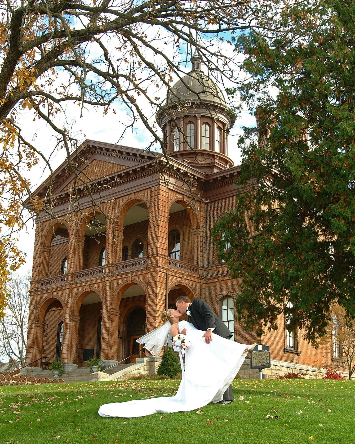 Minnesota Wedding Ceremony Locations: Washington County Historic Courthouse