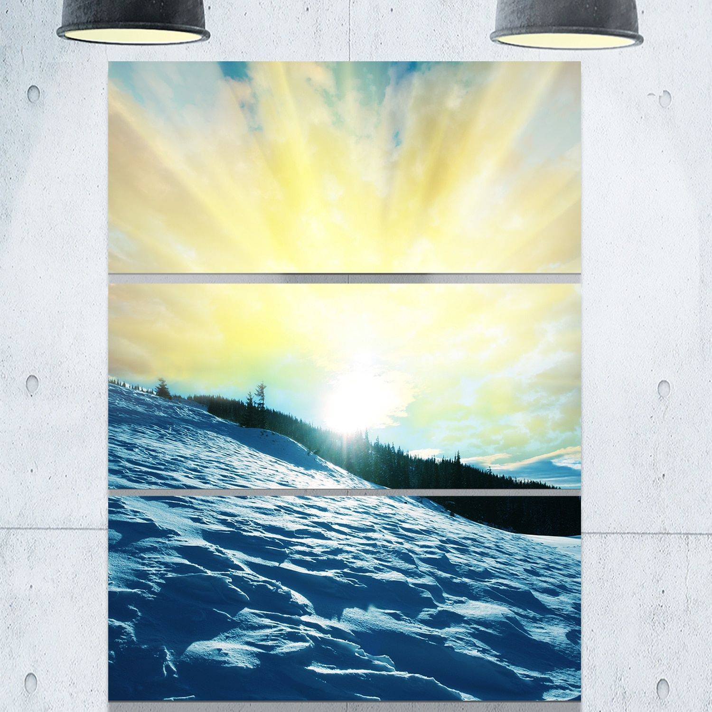 Designart \'Winter with Waters At Sunset\' Seashore Metal Wall Art ...