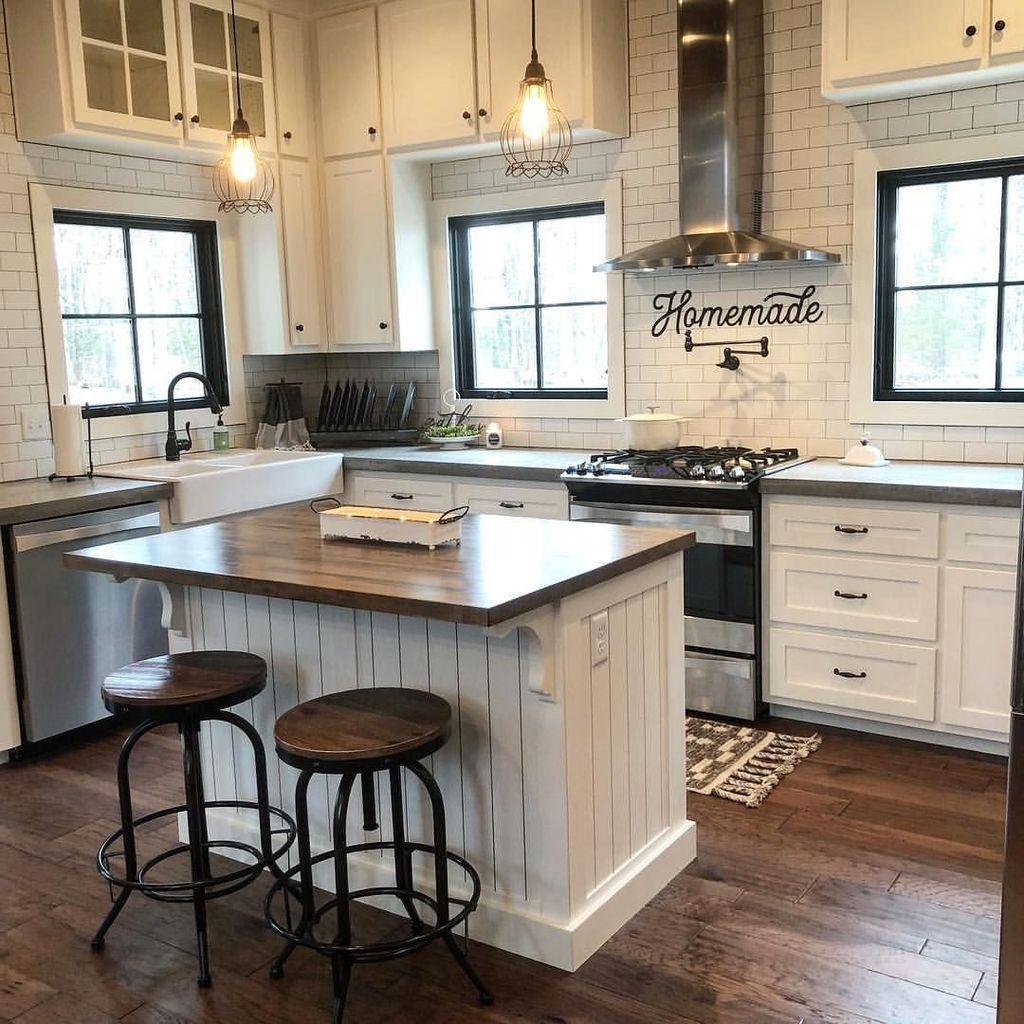 35 Beautiful Farmhouse Kitchen Art Ideas To Scale Up Your Kitchen Https Clairinedecor In Farmhouse Kitchen Backsplash Farmhouse Kitchen Design Kitchen Design