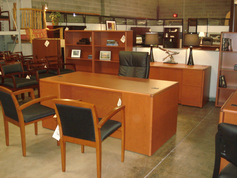 Hon Cherry Desk Credenza Set Pre Owned Front Desk Furniture
