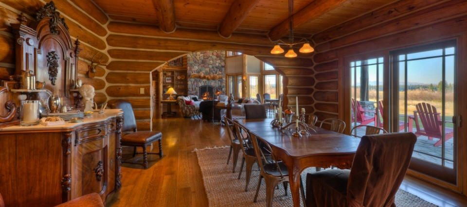 Luxury Log Homes Magnificent handcrafted luxurious log home on a