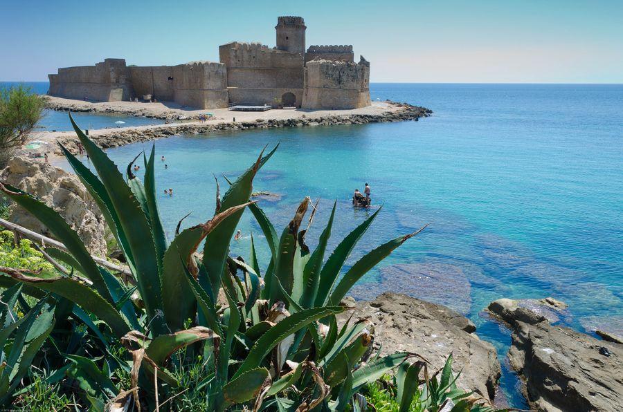 La fortezza sul mare Le Castella Isola Capo Rizzuto