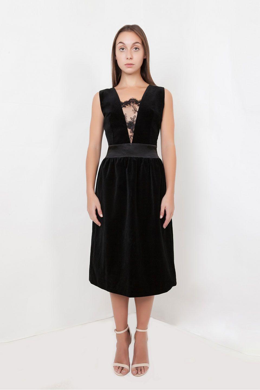 db21ad7dc1 Shop petite Audrey dress in black by Anar London. Discovery premium petite  dresses at Bomb Petite.