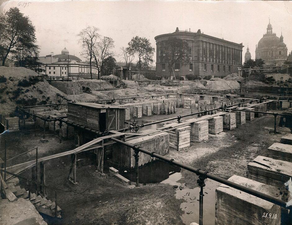 Pergamonmuseum Im Bau 1910 Museumsinsel Berlin Museum Insel Deutsches Kaiserreich