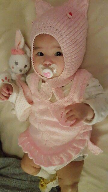 "Collection : Bonnet + Gilet "" Misslady"" Mannequinne : ma petite-fille  (nana) #tricot #bebe #DIY #baby #gilet #bonnet"
