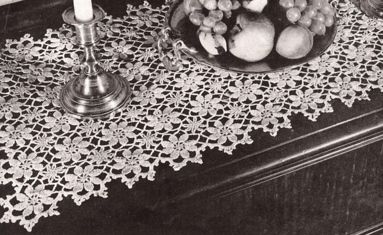 Vintage crochet pattern to make daisy flower table runner tablecloth vintage crochet pattern to make daisy flower table runner tablecloth daisyshower izmirmasajfo
