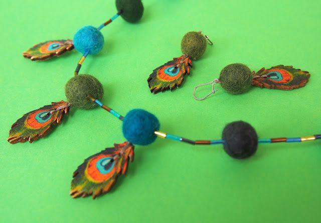 Vaateviidakko: Puunappi-huopahelmikorut