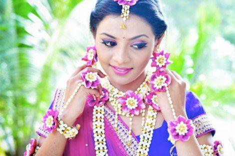 I Mehndi Flower Jewelry : Gota and fresh flower jewellery for the indian mehndi mehendi