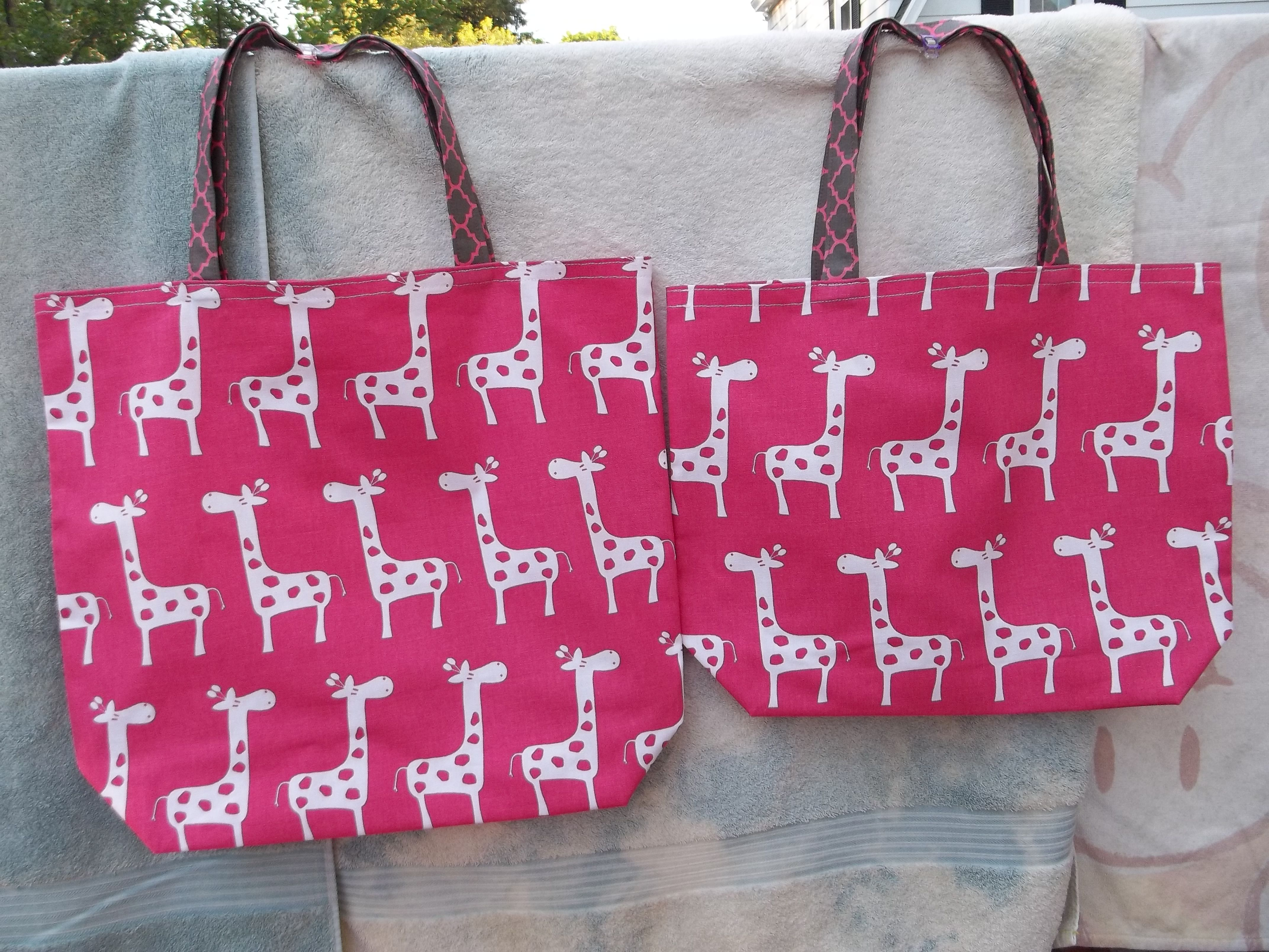 Giraffe canvas unlined totes