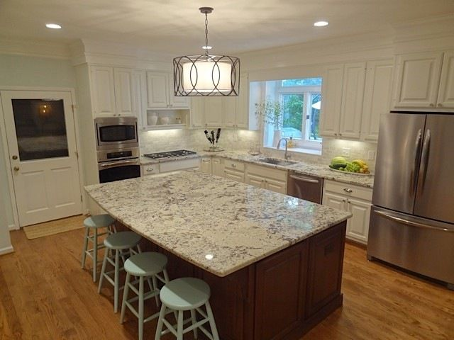 Similar to our layout w/ door from garage | Home {kitchen ...