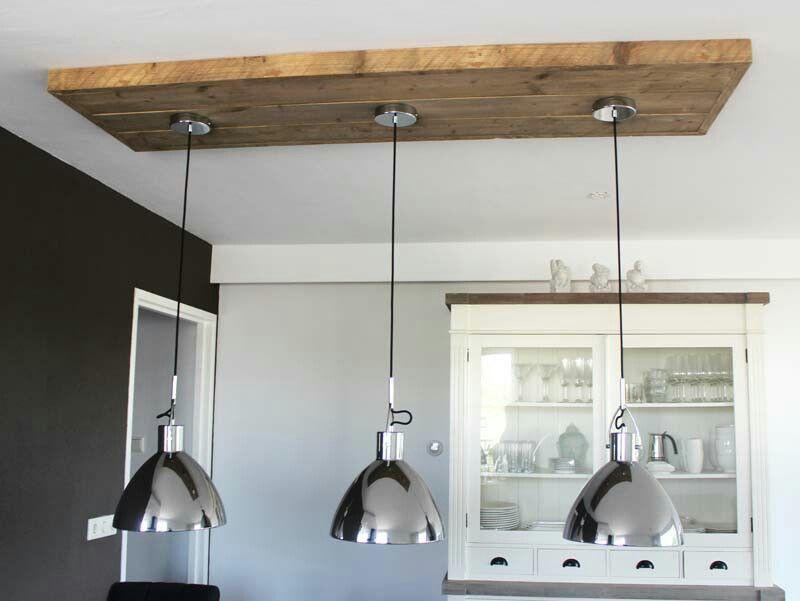 Lamp Woonkamer Plafond : Plafond lampen op steigerhout plafond eiland verlaagd plafond in