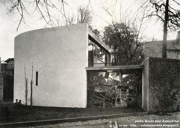 Meudon - Maison de gardien (de la maison André Bloc) Architectes: Claude Parent et André Bloc ...