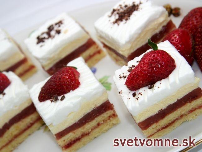 Slávnostné jahodové rezy • Recept | svetvomne.sk