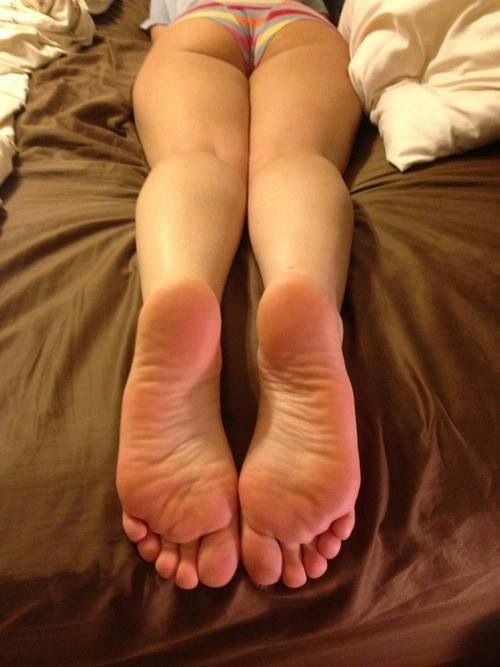 Female Foot Lovers