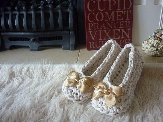 Quick tshirt yarn crochet slippers pattern by annaboos house quick tshirt yarn crochet slippers pattern by annaboos house dt1010fo