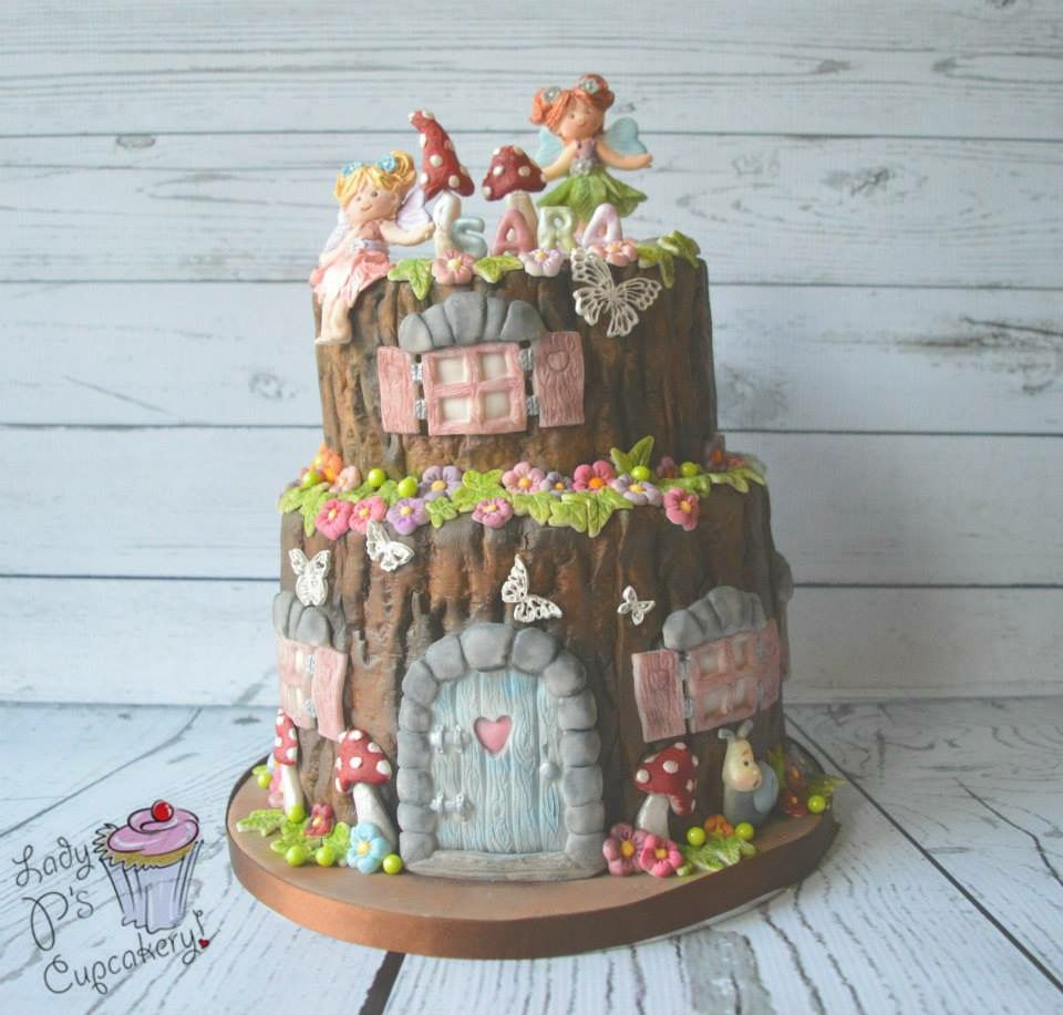 Fairy cake! I live the tree stump look | Fairies and ...