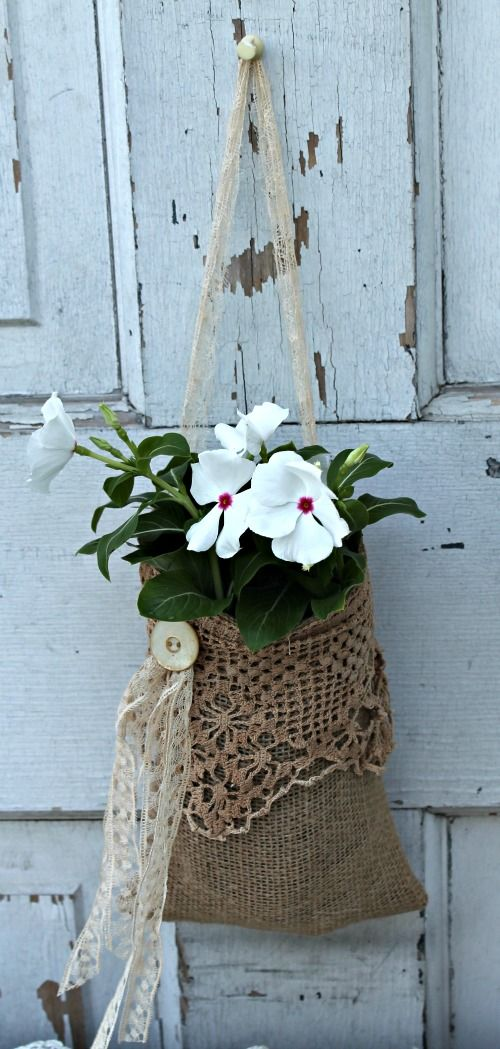 20 North Ora: Simple burlap projects: wall pocket and silverware caddie - includes measurements