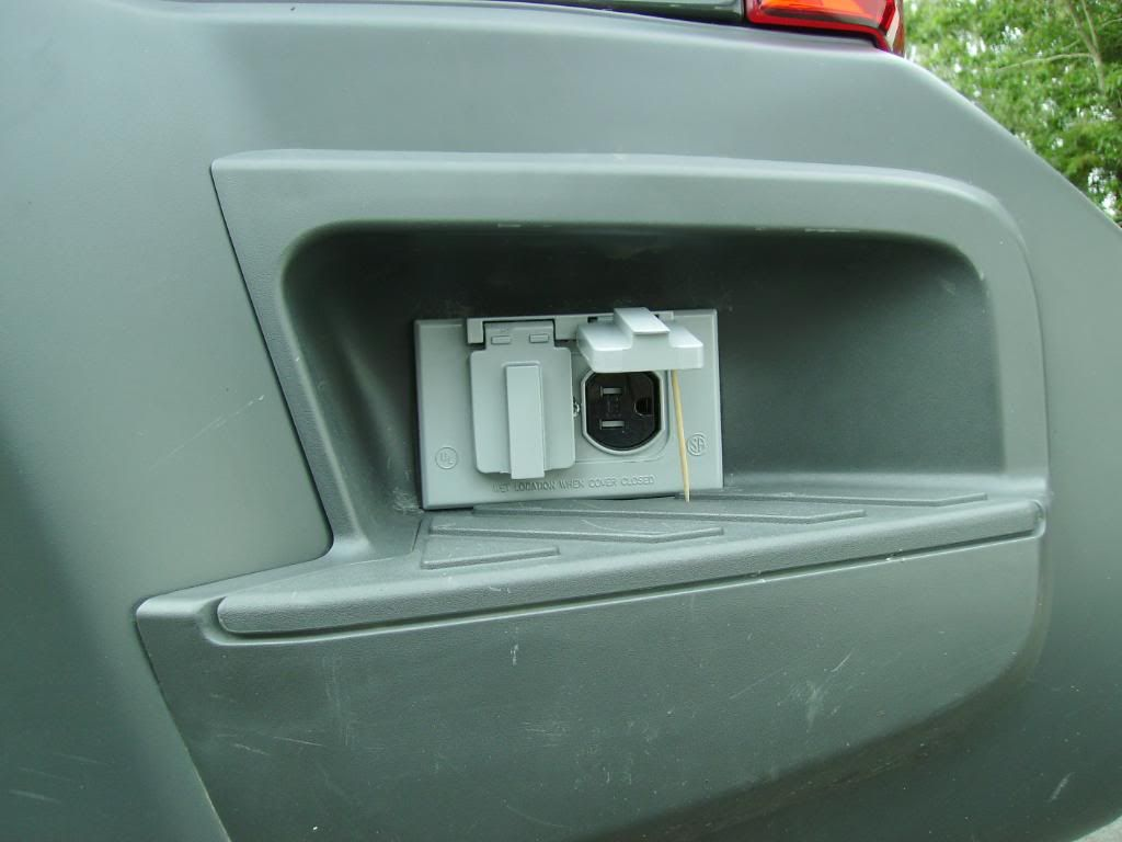 How To Clean 110 Volt Outlets Wired Inside Outside The Xterra Second Generation Nissan Forums 2005