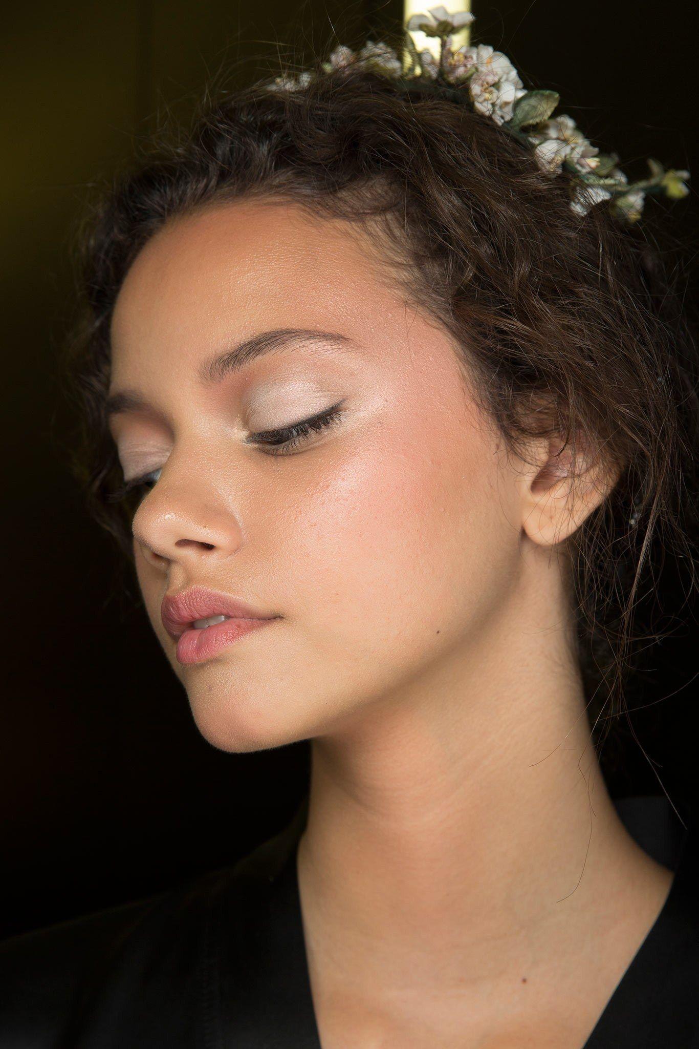 Dolce & Gabbana Spring 2014 Ready-to-Wear Beauty Photos - Vogue