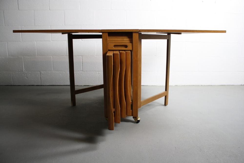 Mcm Danish Drop Leaf Table 4 Folding Chairs In 2020 Drop Leaf