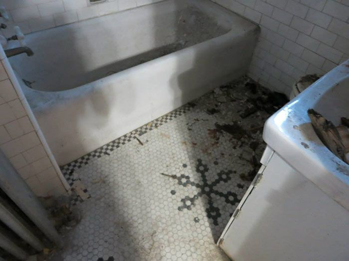 Nicole Curtis Bathroom Floor   For Upstairs Bath   But Clean And Not  Disgusting, Obviously.