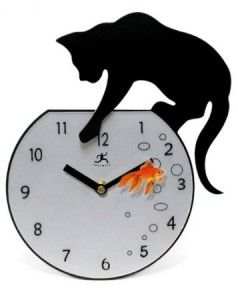 The clock looks like a fishbowl and even has a cat on top which seems to be eyeing the fish inside. Grab it at an affordable price of $36.
