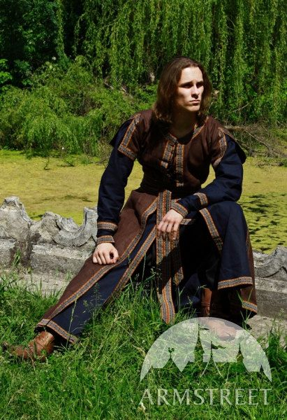 15% DISCOUNT! Medieval Mens Costume: Long Tunic and Overcoat Set