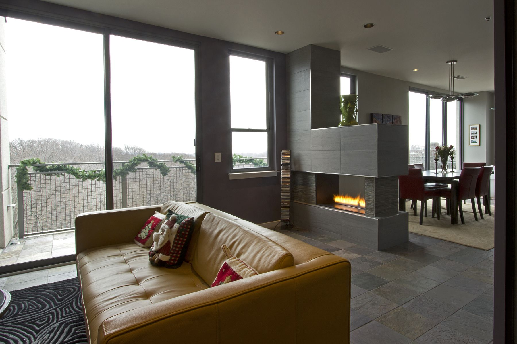 Fireplace As A Dividing Wall Living Spaces Pinterest