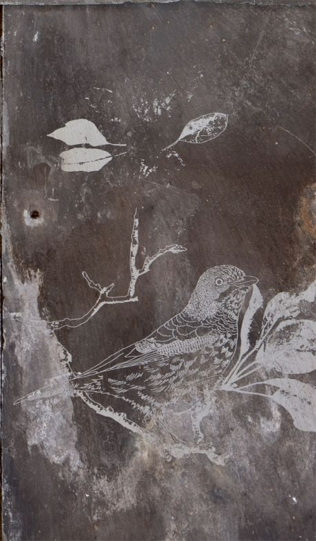 Engraved Slate 3 Bird These Beautiful Reclaimed Welsh Roof Slates Have Been Wonderfully Repurposed For Interior Wal Slate Art Clocks Inspiration Slate Tile
