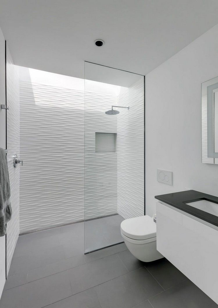 minimalistisches bad weiß grau glastrennwand oberlicht #traumhäuser ...