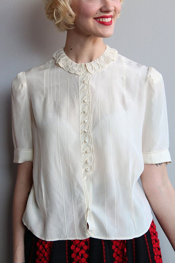 The Essential 1940s Style Blouse Vintage Frills: 1940s Blouse // Silk Ivory Blouse // Vintage By
