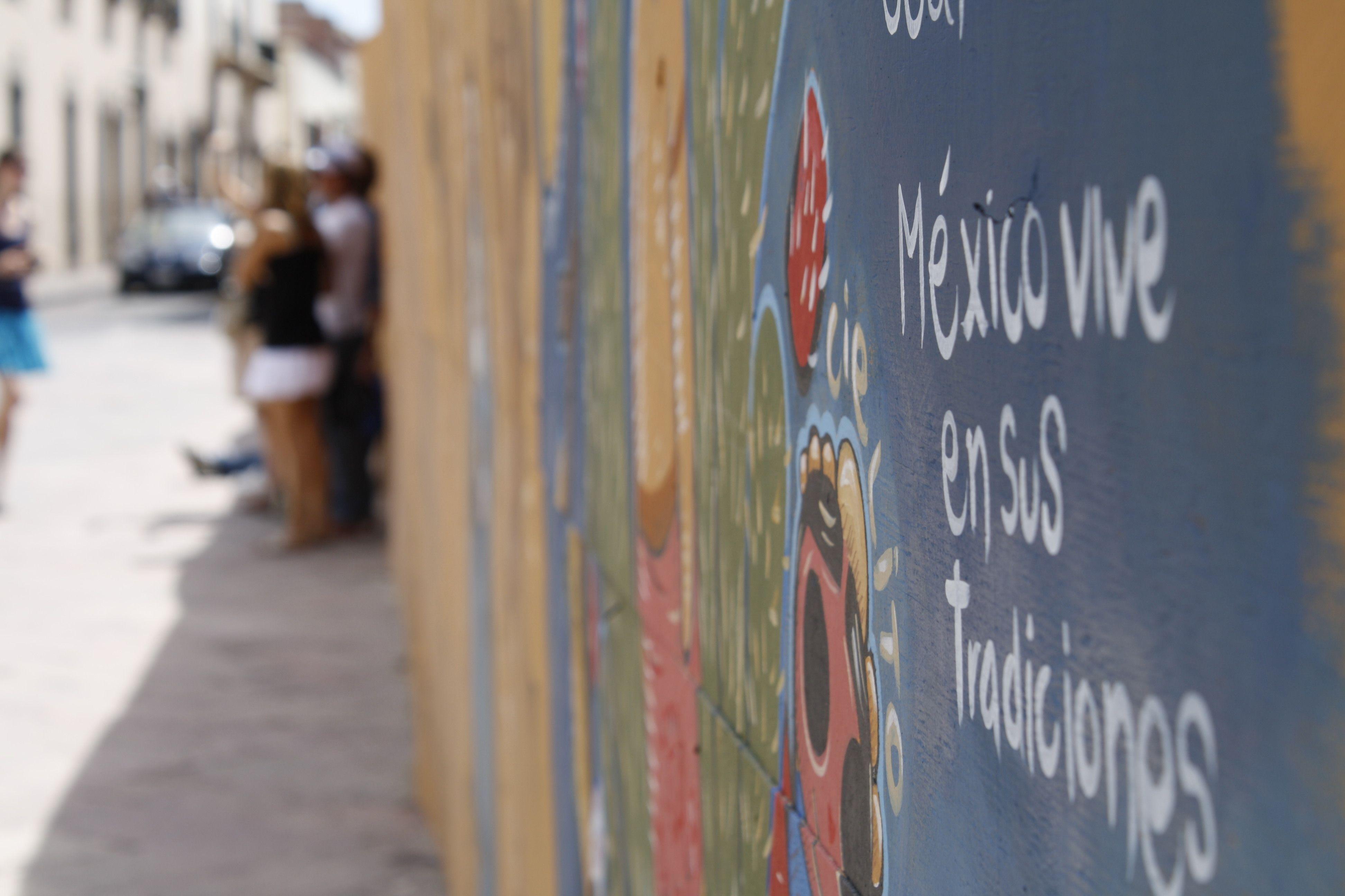 """Mural """"México vive en sus tradiciones"""" Querétaro"""