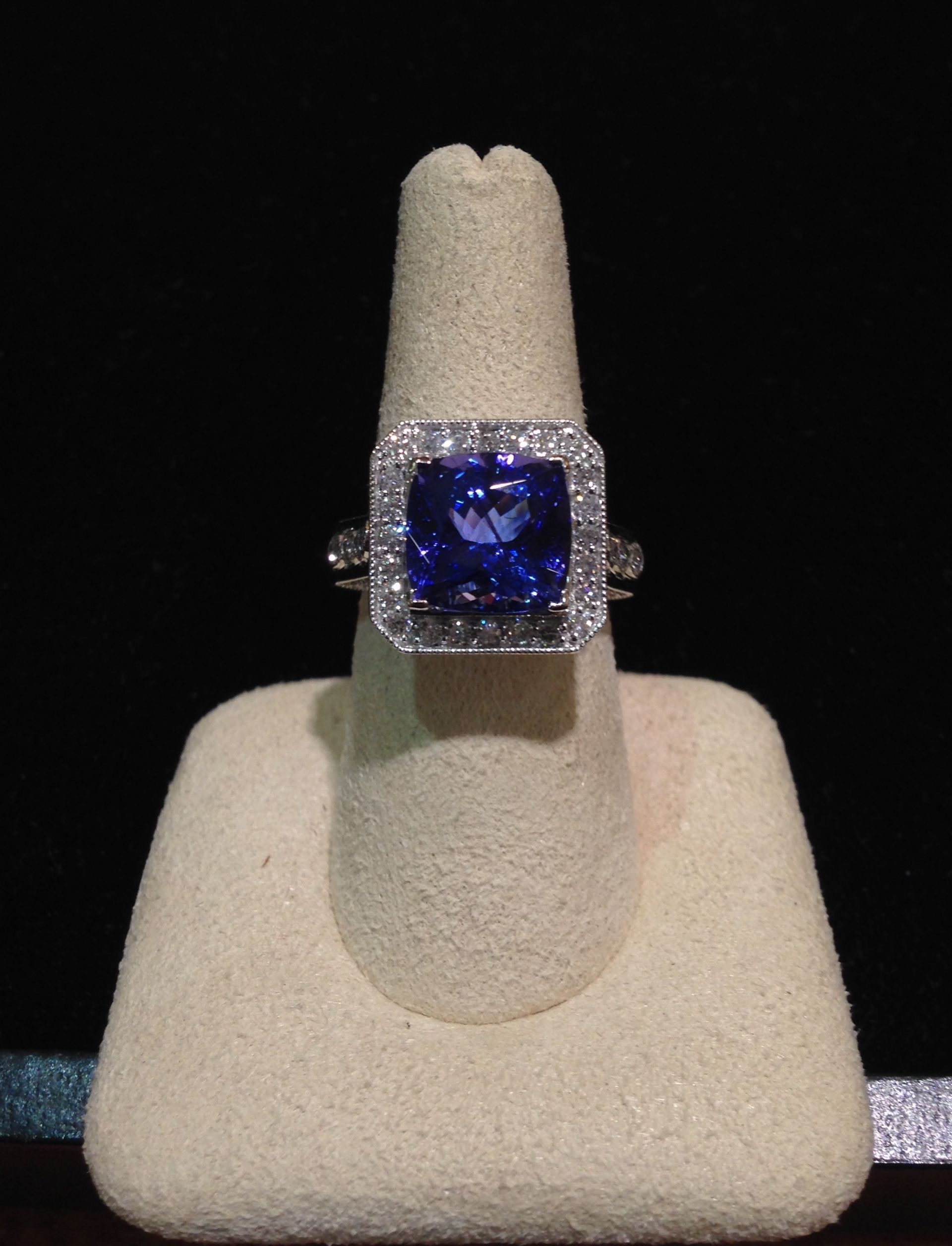 princess pin hhorwitz tanzanite cushion diamond cut ct