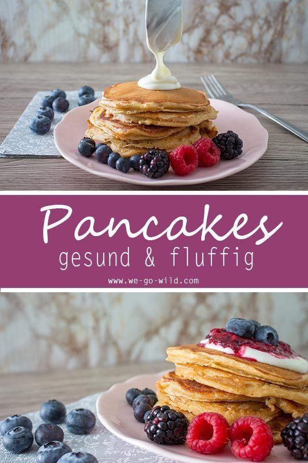 Fluffige gesunde Pancakes mit Jogurt und fruchtigem Beerenmus