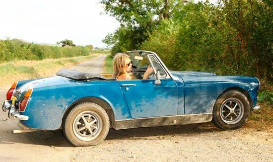 Kate Moss on her MG Midget  | Cars | Mg midget, Antique cars