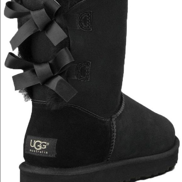 c70d485f1f0 Uggs Black Bailey bows size 7, gray Bailey buttons size 7, chestnut ...