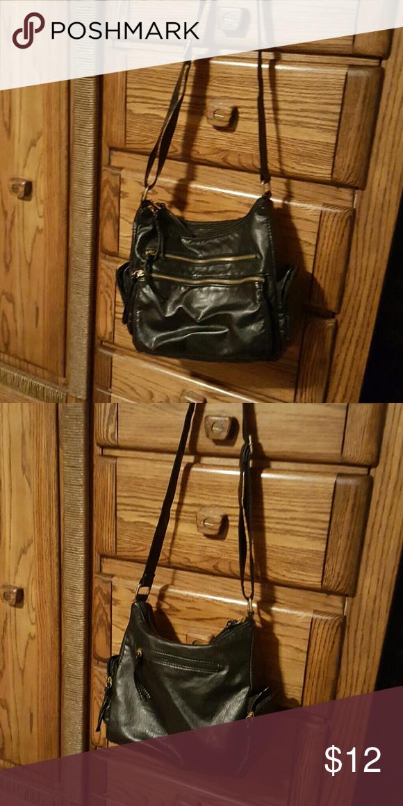 Bueno Purse Black Medium Size Purse Several Pockets Inside And