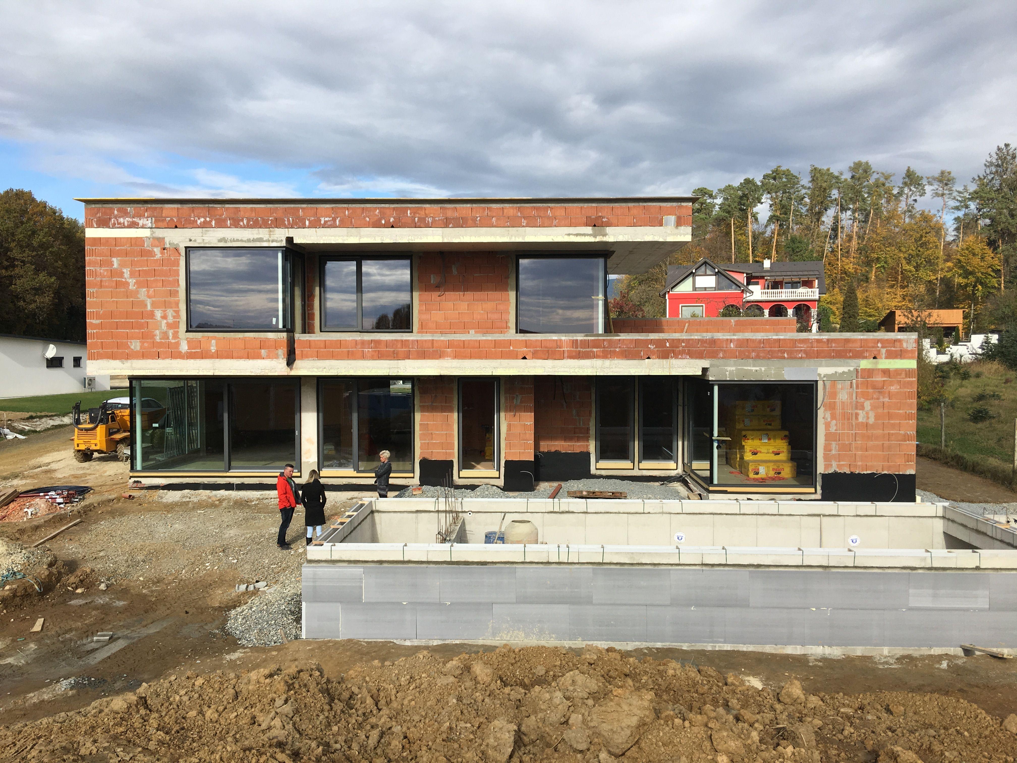 Unser Haus, Flachdach, modern, Rohbau, Überlaufpool im